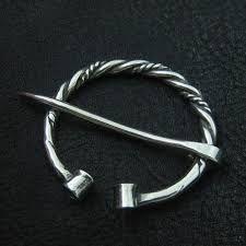 Resultat d'imatges de viking brooch