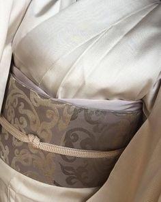国内はもちろん海外など旅先でおしゃれに装いたい・・。 そんな時、勝山さんの帯はとても有り難いのです。 袋帯をしたいシチュエーションでも 勝山健史さんの名古屋帯でしたらあらたまった雰囲気 きちんと感を醸し出せるのです。 そして軽い!!(^^♪ 旅先の装いの取り合わせにも… ぜひご提案致します。 勝山健史さんのお話会と展示会致します。 どうぞお気軽にいらして下さいませ。 お待ちしております。 勝山健史さんのお話会&展示会 7月27日〜28日 *7月27日 10:30~12:00...
