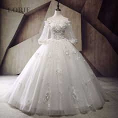 Victorian Gothic Wedding Dress 2017 Boat Neck off the Shoulder Apploiques with Flowers Lace Long Sleeve Bridal Gown trouwjurk