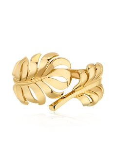 Discover the CHANEL 1932 BRACELETS: 1932 Bracelet in 18K yellow gold.