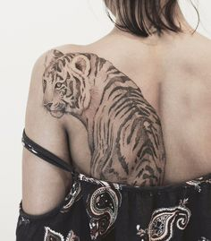 dot work tiger tattoo design on back by tritoan__seventhday