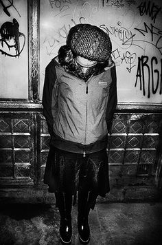 London 70   Petersen shoots only in black and white and often uses low level flash even during the day to add to the feeling of immediacy and rawness