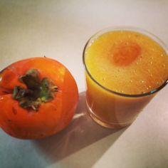 l'arancione della creazione succo di cachi e mele estratto #glutenfree #recipe #healthyrecipe #cucinaitaliana #italianfood #foodporn #foodblog pentagrammidifarina.wordpress.com