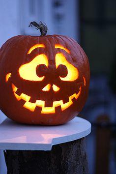 Unique Pumpkin Carving Ideas, Scary Pumpkin Carving, Halloween Pumpkin Carving Stencils, Halloween Pumpkin Designs, Amazing Pumpkin Carving, Pumpkin Carving Patterns, Pumpkin Stencil, Carving Pumpkins, Pumpkin Ideas