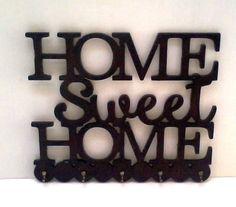 Porta chaves Home Sweet Home pode se feito em outras cores. com 5 ganchinhos.