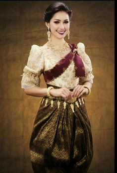 Thai Traditional Dress Traditional Wedding Dresses Traditional Outfits Cambodian Wedding Khmer Wedding
