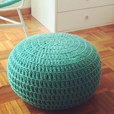 @LasVaretasCrochet Puff a Crochet / Crochet Ottoman Pouf/ Pouffe / Nursery Footstool / Floor Cushion / Nursery Decor / Kids Furniture Beanbag Chair / Home Decor / Knit Floor Cushion / Puff Tejido / Fiaca