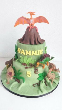 Walking with Dinosaurs cake