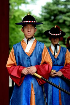 South Korea Seoul Palace imperial guard - Need to meet these guys...probably knows mushu. Ha, ha, ha.