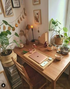 Room Ideas Bedroom, Bedroom Decor, Simple Home Decoration, Creation Deco, Desk Setup, Aesthetic Room Decor, Cozy Room, Home Office Decor, Office Set