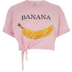 River Island Pink 'Banana' knot front cropped T-shirt (240 DKK) ❤ liked on Polyvore featuring tops, t-shirts, pink, print t-shirts / tanks, t shirts / tanks, women, sequin t shirt, sequin crop tops, short sleeve tee and crew t shirts