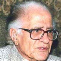 Urdu Poetry Collection: Najane khal o khad kyun chhin gae hain khush jamal...
