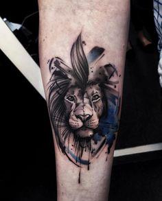 Watercolor lion tattoo by Aleksandra Kozubska