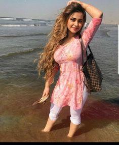 Punjabi beauty Beautiful Girl Indian, Beautiful Indian Actress, Beautiful Women, Beauty Full Girl, Beauty Women, Beauty Girls, Beauty Style, Hair Beauty, Punjabi Dress