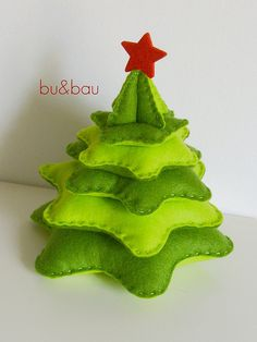 Felt Christmas Tree                                                                                                                                                      Más