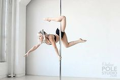 Pole Dance Moves, Pole Dance Fitness, Pool Dance, Dance Poses, Pole Dancing, Barre Fitness, Aerial Hoop, Aerial Arts, Boot Camp Workout