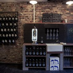 Clapton Craft's refillable 64oz 'growlers' are a scary-good idea...  http://www.weheart.co.uk/2014/05/08/clapton-craft-hackney-london/
