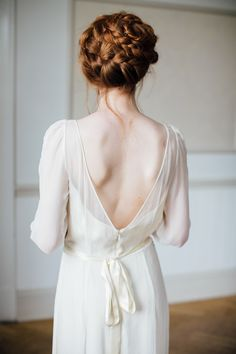 Hair Plait Braid Bride Bridal Low V Back Dress Gown Wild Opulence Autumn Wedding Ideas http://www.storyweddingphotography.co.uk/