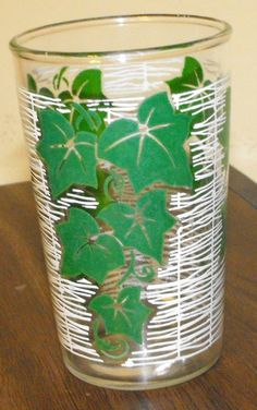 VINTAGE SWANKY SWIGS TUMBLER GLASSES GREEN IVY ON WHITE