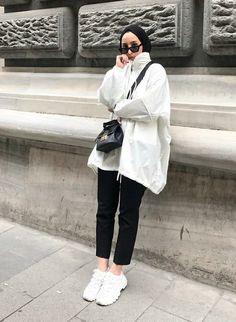 # # # Hijab hijab jean models 2020 – # # # hijab (not … Modern Hijab Fashion, Street Hijab Fashion, Hijab Fashion Inspiration, Muslim Fashion, Modest Fashion, Trendy Fashion, Trendy Style, Simple Style, Casual Hijab Outfit