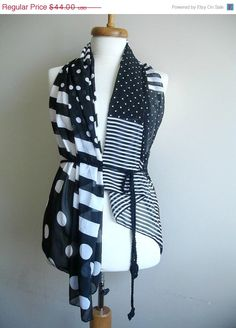 BLACK FRIDAY SALE White And Black Vest  Crocheted by crochetlab, $37.40