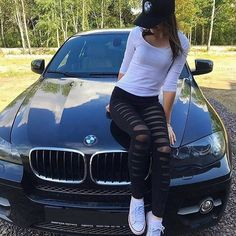 Luxury car must be with a beautiful girlfriend. Car Poses, Just Married Car, Bmw Girl, Beautiful Girlfriend, Cute Cars, Cute Fall Outfits, Bmw Love, Car Girls, Car Photography