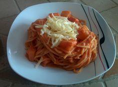 Spaghetti with chili, garlic, pineapple and cheese.