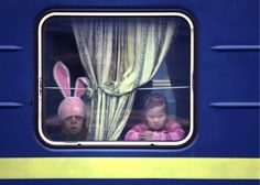 meanwhile in russia Great Love, Just For Fun, Meanwhile In Russia, Still Standing, Good Movies, Lunch Box, Memes, Funny, Train