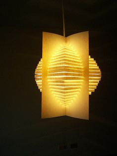 paper lamp pop-up lamps Paper Lampshade, Lampshades, Lamp Design, Lighting Design, Paper Structure, Do It Yourself Inspiration, Paper Light, Street Lamp, Paper Lanterns
