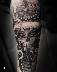 Latest Tattoos Designs and Ideas Chicanas Tattoo, Skull Girl Tattoo, Forarm Tattoos, Dope Tattoos, Badass Tattoos, Skull Tattoos, Leg Tattoos, Jesus Tattoo, Body Art Tattoos