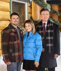 Let it Snow - a new Hallmark movie with Candace Cameron Bure - a wonderful family Christmas movie to start the season off - yes even tho it is still November!!
