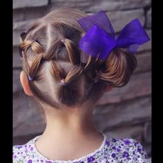 •• V I D E O •• Looped Ponytails into a Side Messy Bun •• Such a fun style for your little ladies :) ••  @peinadosvideos #peinadosvideos #hairtutorials #hudabeauty #hairvidz •• inspired by @simplystranded ••
