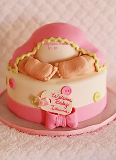 Soo cute, little baby feet baby shower cake