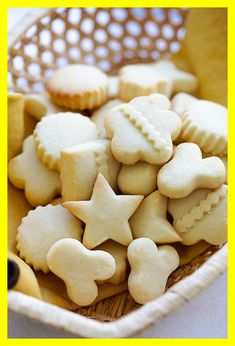 Butter Cookies - the BEST butter cookies recipe ever! These butter cookies are buttery, crumbly, melt in the mouth. Best cookies for Christmas and holidays. Best Butter Cookie Recipe Ever, Ginger Bread Cookies Recipe, Easy Sugar Cookies, Sweet Cookies, Yummy Cookies, Sweet Treats, Best Gingerbread Cookie Recipe, Best Christmas Cookie Recipe, Crispy Chocolate Chip Cookies