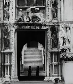 photography by Gianni Berengo Gardin.
