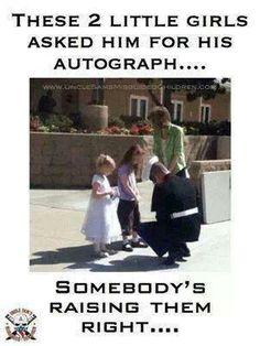 #AutographSeekers