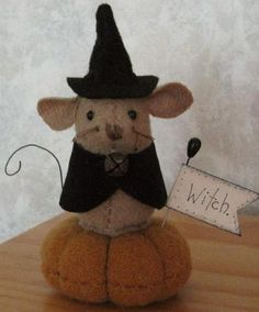 Halloween Witch Mouse Pin Cushion