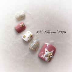 Toe Nail Art, Easy Nail Art, Gel Pedicure, Manicure, Gray Nails, Glitter Nails, Feet Nail Design, Fingernails Painted, Cute Pedicures