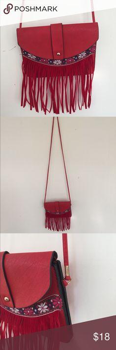New cross body purse Never been used cross body. Bags Crossbody Bags