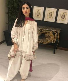 Pakistani Fashion Casual, Pakistani Wedding Outfits, Pakistani Dresses Casual, Ethnic Fashion, Indian Dresses, Indian Outfits, Indian Fashion, Simple Dresses, Pretty Dresses