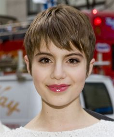 Sami Gayle Short Straight Casual Layered Pixie Hairstyle with Layered Bangs - Caramel Brunette Hair Color Short Sassy Hair, Short Straight Hair, Short Hair With Layers, Short Hair Cuts, Pixie Hairstyles, Pretty Hairstyles, Straight Hairstyles, Hairstyle Short, Pixie Haircuts