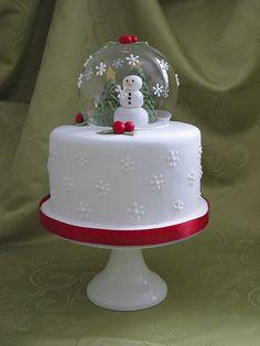 Christmas Cake Designs, Christmas Cake Decorations, Holiday Cakes, Christmas Deserts, Christmas Cupcakes, Christmas Goodies, Snow Globe Cupcakes, Globe Cake, New Year's Cake