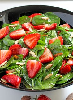 Quick and Easy Strawberry Spinach Almond Salad a great refreshing salad for these spring/summer days.. Sweet Spicy Salad recipe from Dragana's healthy kitchen. Win – Win