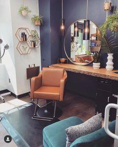 Home Beauty Salon, Home Hair Salons, Hair Salon Interior, Beauty Salon Decor, Salon Interior Design, Home Salon, Spa Room Decor, Beauty Room Decor, Home Decor