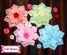 Learn how to make these beautiful tea bag medallions at.....Aprende a hacer estos lindos medallones de origami para decorar tarjetas en.....http://craftmaniacss.blogspot.jp/2013/02/tea-bag-folding-2-medallion-with-squares.html