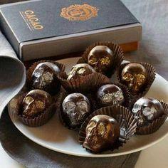 Chocolats Crânes Gothiques. #Gateau #Gothique #Chocolat