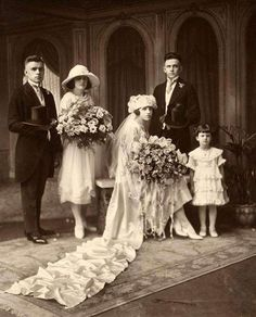 Details about stunning albumen vintage wedding photo top hats long train wo Vintage Wedding Photos, 1920s Wedding, Vintage Bridal, Wedding Pics, Wedding Bride, Wedding Styles, Vintage Weddings, Vintage Photos, Wedding Ceremony