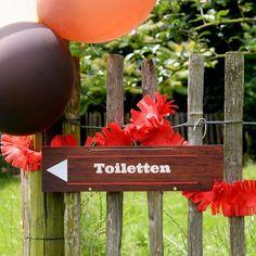 Wegwijzers | BBQ-feest #housewarming #tuinfeest #garden #party #instuif #BBQ #roadsigns #partydeco #summer #Beaublue