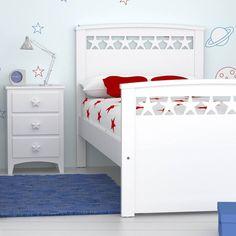 Cama infantil Estrellas, diferente y original para su pequeño rincon de aventuras y sueños. #Camainfantil #Dormitorioparaniños #stars #habitacioninfantil