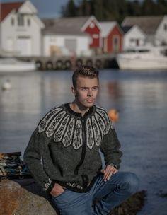 no - Spesialist på islandsk ull Toms, Men Sweater, Sweaters, Black, Fashion, Moda, Black People, Fashion Styles, Men's Knits